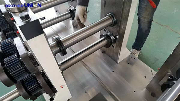 Shaft of a roll former